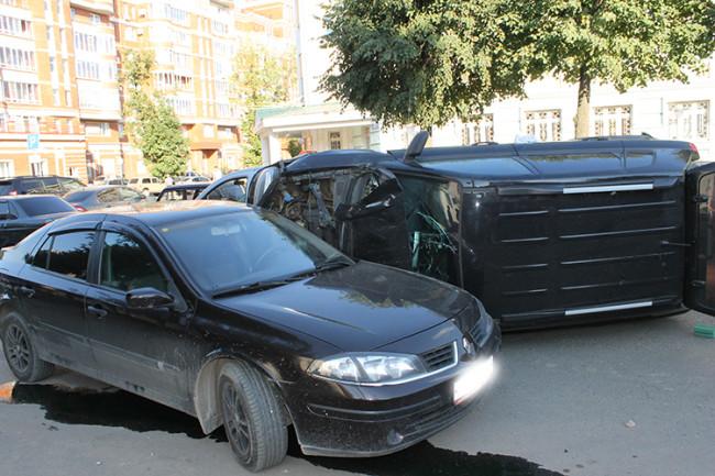 В ДТП в Йошкар-Оле пострадало 5 автомобилей