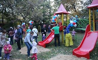 В Йошкар-Оле открыли очередную детскую площадку