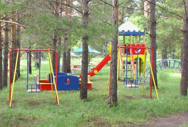 В Сосновой роще открылась новая детская площадка